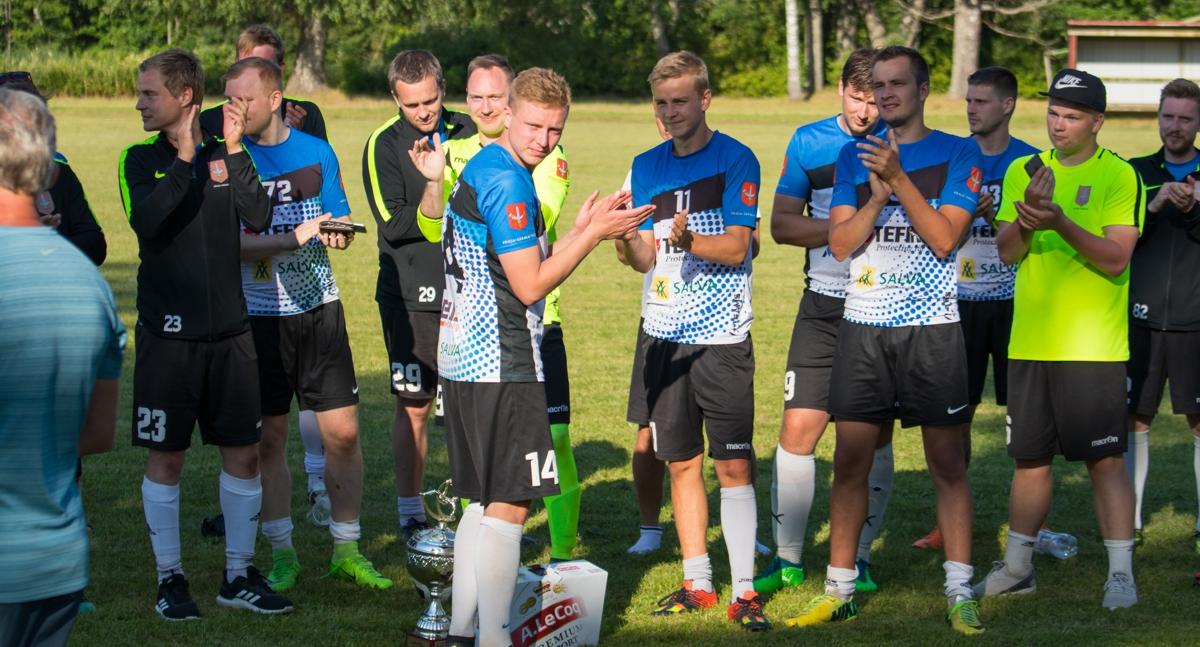 Jõgeval mälestati jalgpalliga Felix Adratit
